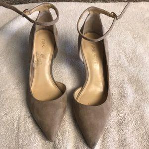 Ivanka trump tan heels , size 5